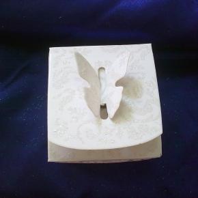 Кутийка  с пеперуда - брокат 51
